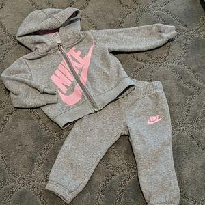 Nike hoody and sweatpants set